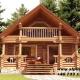 Casa de vacanța 1 din lemn rotund calibrat 160 mm diametru. Suprafata construită 96 mp compusă la parter din terasa living cu bucătărie deschisă , baie și sauna iar la mansarda o camera prevăzută cu balcon.