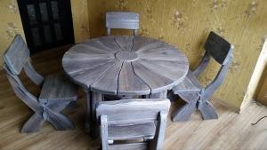 Mobilier antichizat - mobilier rustic pentru gradina din lemn antichizat