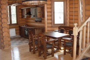 Mobilier antichizat - set pentru masa din lemn antichizat